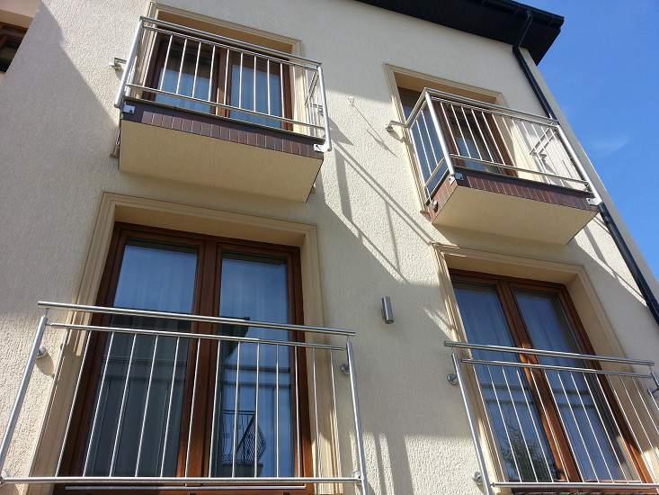 Balustrada balkonowa pionowa