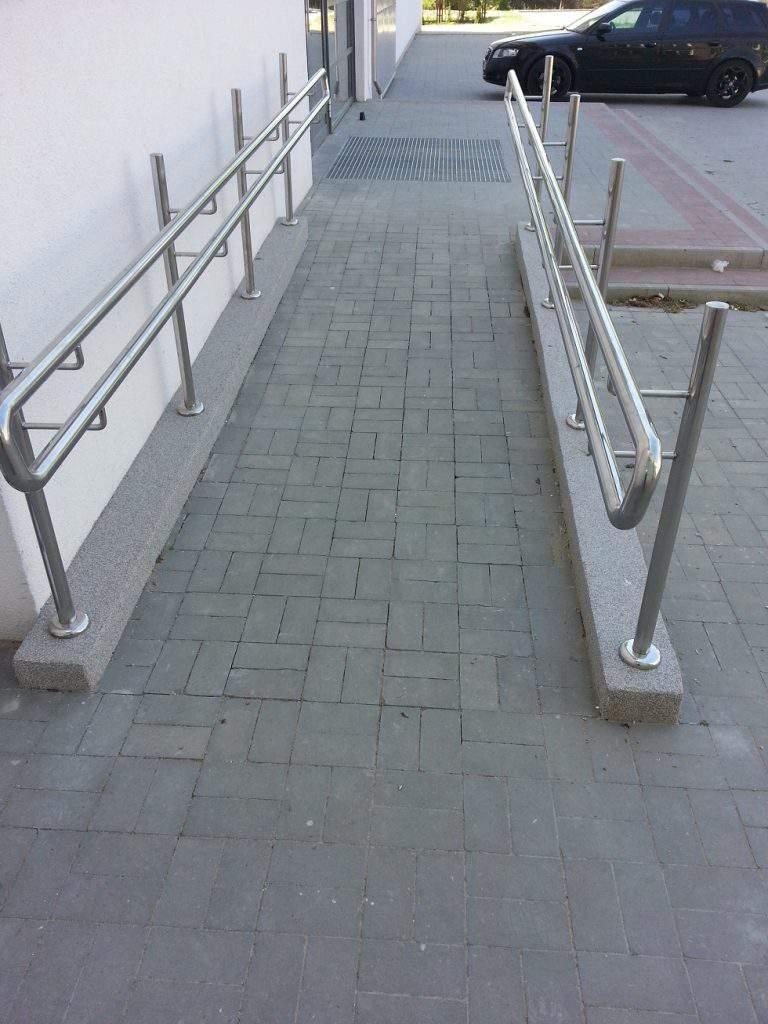 Podjazd na wózki